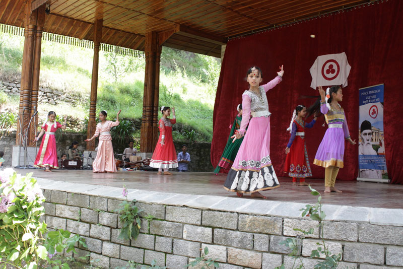 Students of the Art Academy (for Children) are dancing