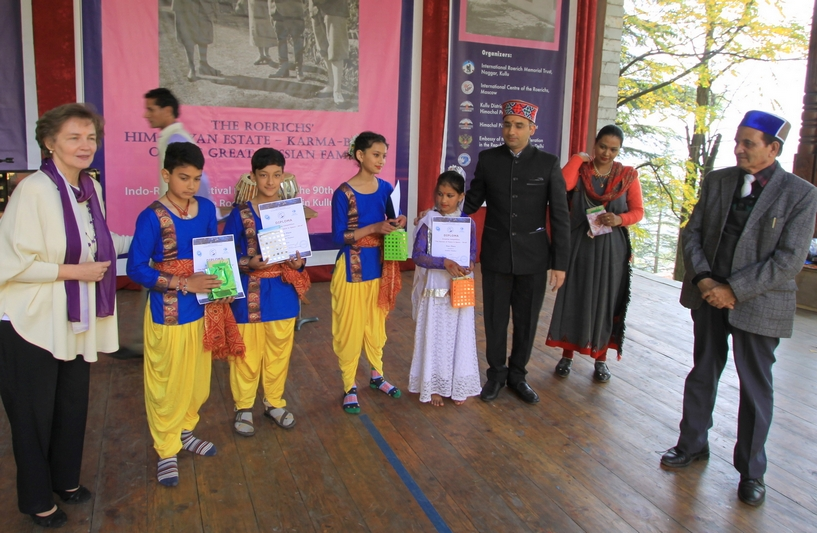 Pupils of the Children's Academy of Arts named after H. Roerich