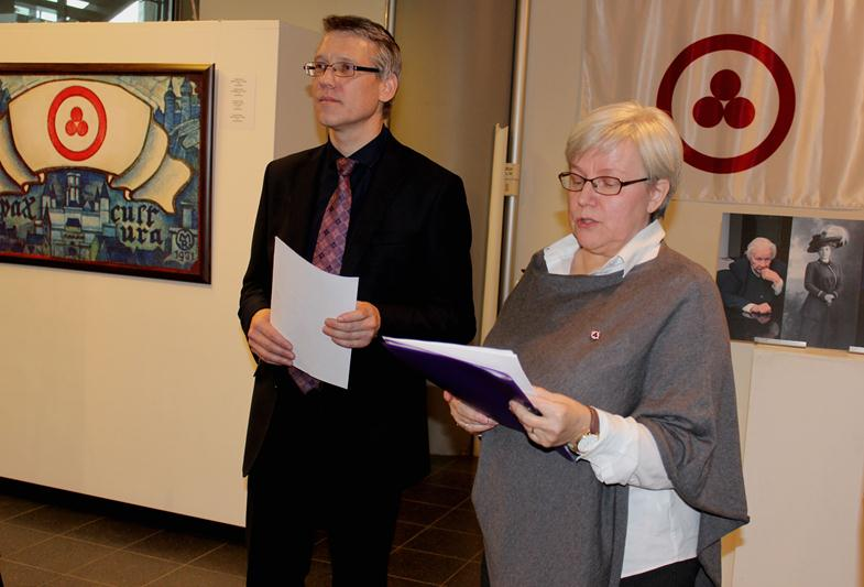 E. Kramp - the research worker of the Development Department of the Museum named after Nicholas Roerich (left), Paula Liimatta - Chairman of the Association of Humane Pedagogics in Finland (right).